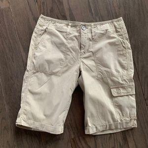 DKNY NWT Women's Cargo Khaki Shorts